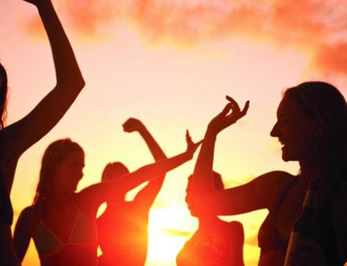 Boat party Málaga: Todo lo que debes saber para organizar una despedida de soltera en barco.